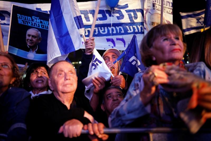 Thousands rally in support of Israel's Netanyahu after graft indictment