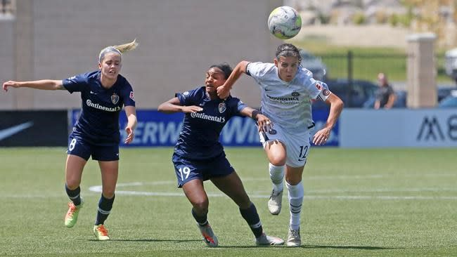 Weaver's goal lifts Thorns over Courage 1-0 in Challenge Cup