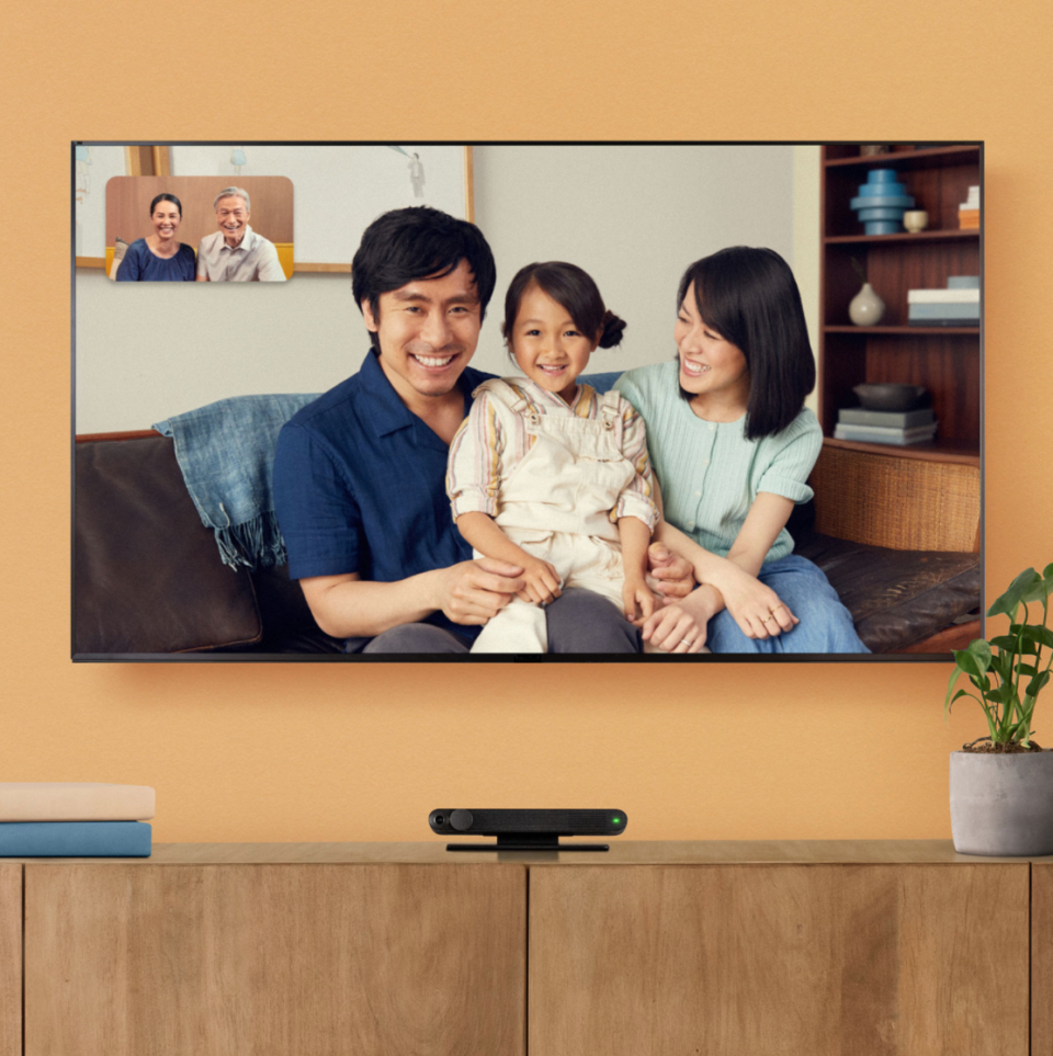 Facebook Portal TV Smart Video Calling (Photo via Best Buy Canada)