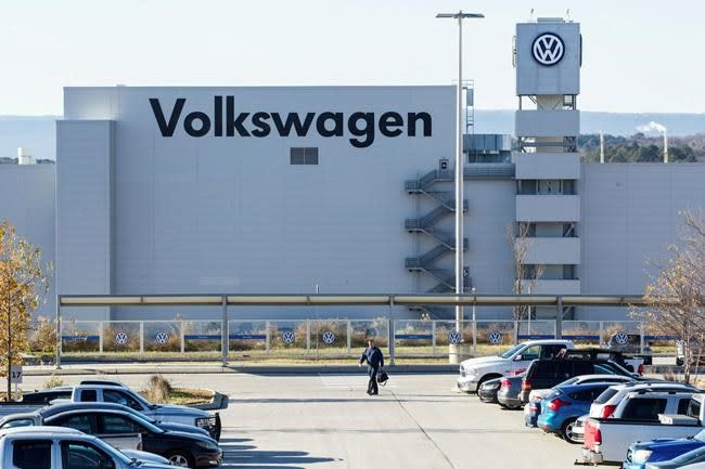 Union files for new vote at Volkswagen's Tennessee plant