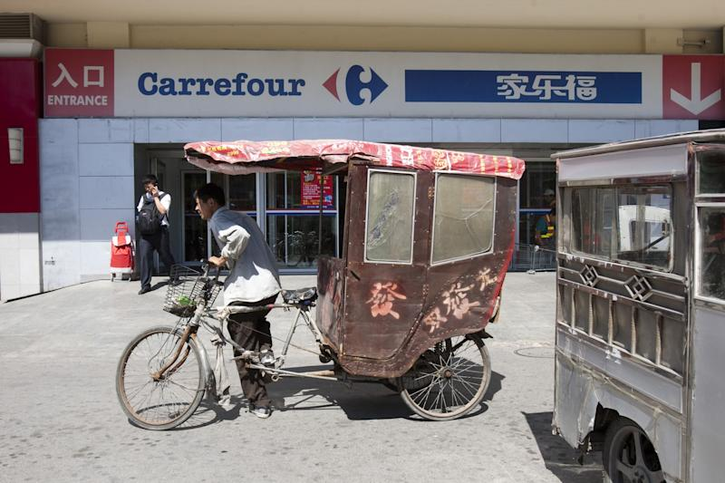 Suning.com to buy 80% of Carrefour China for $699 million