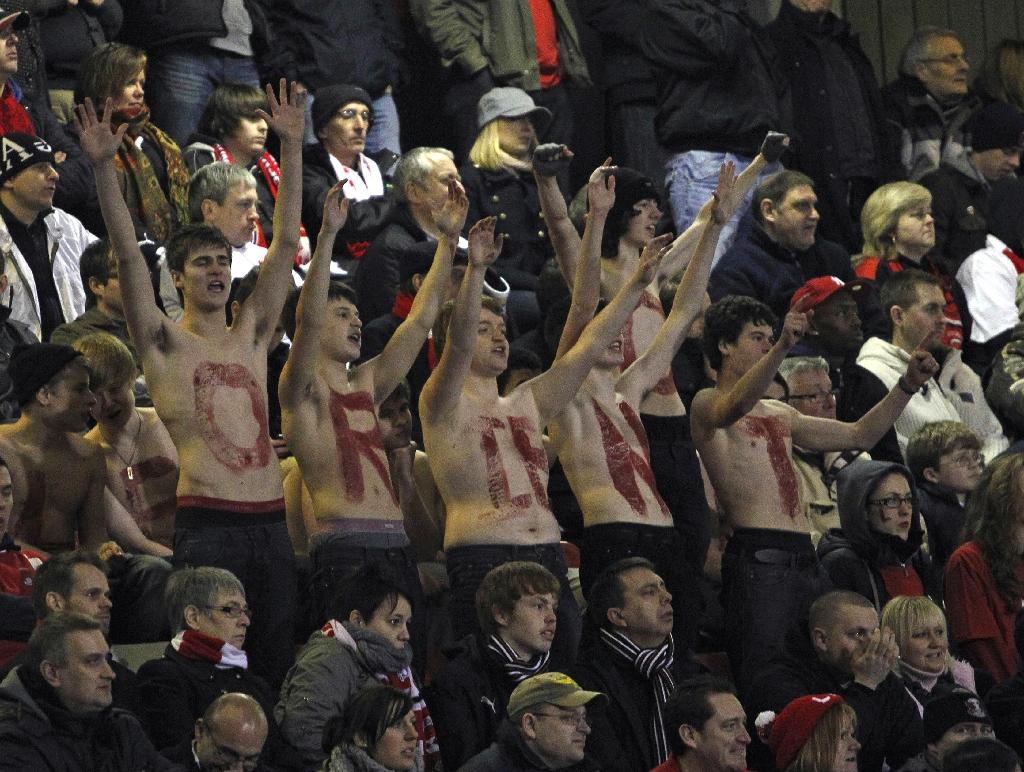 Leyton Orient fans at The Matchroom Stadium in London, England, on February 20, 2011 (AFP Photo/IAN KINGTON)