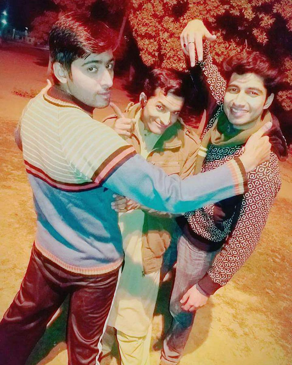 """<div class=""""paragraphs""""><p>A picture of Asif, Salman, and Mudasir.</p></div>"""
