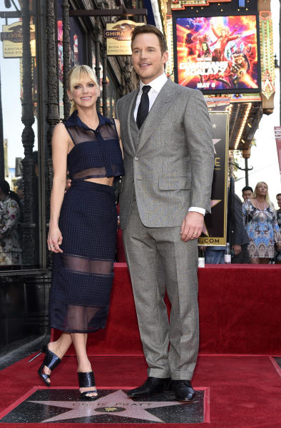 Actor Chris Pratt, right, poses with his wife, actress Anna Faris, during a ceremony to award Pratt a star on the Hollywood Walk of Fame on Friday, April 21, 2017, in Los Angeles. (Photo by Chris Pizzello/Invision/AP)