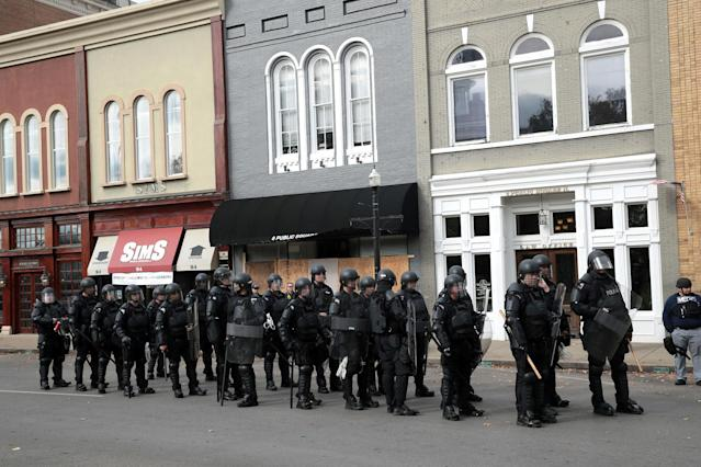 """<p>Riot police stand in formation during a """"White Lives Matter"""" rally on Oct. 28, 2017 in Murfreesboro, Tenn. (Photo: Scott Olson/Getty Images) </p>"""