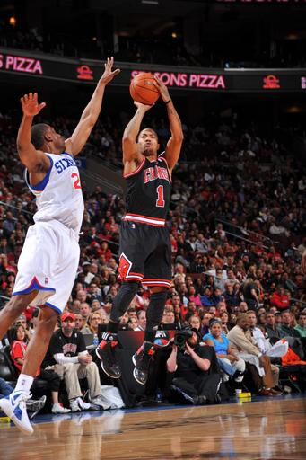 PHILADELPHIA, PA - MARCH 4: Derrick Rose #1 of the Chicago Bulls shoots against the Philadelphia 76ers on March 4, 2012 at the Wells Fargo Center in Philadelphia, Pennsylvania.  (Photo by Jesse D. Garrabrant/NBAE via Getty Images)