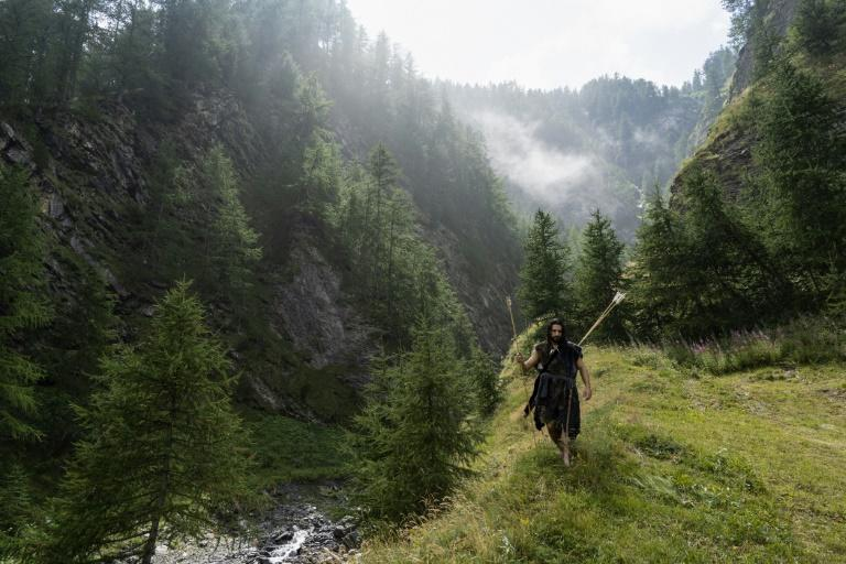 "Guido Camia offers ""Neanderthal"" survival courses in the Italian Alps"