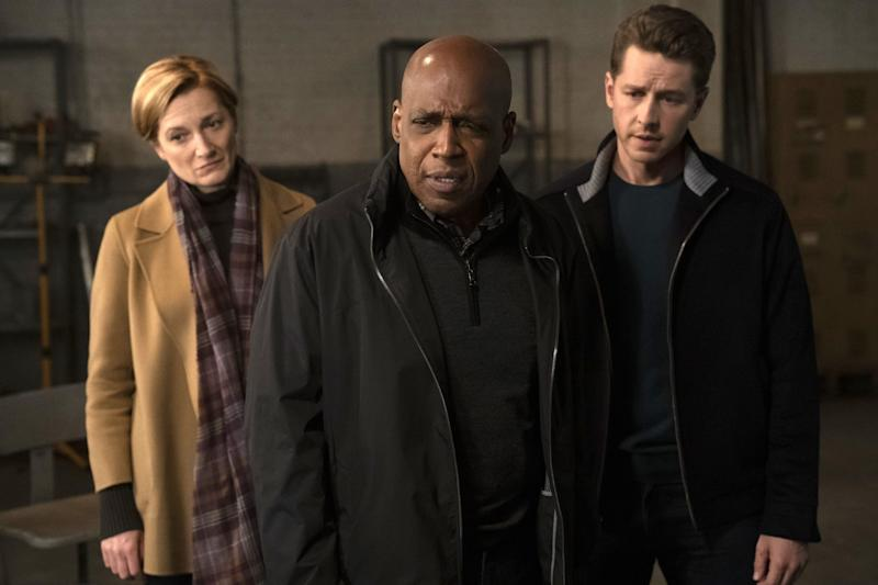 "MANIFEST -- ""Dead Reckoning"" Episode 109 -- Pictured: (l-r) Francesca Faridany as Fiona Clarke, Daryl Edwards as NSA Director Vance, Josh Dallas as Ben Stone -- (Photo by: Peter Kramer/NBC/Warner Brothers)"