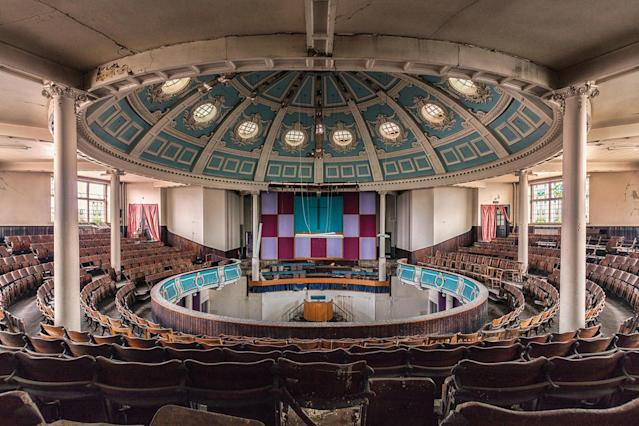 <p>Former theater that was turned into a church, now decaying in the U.K. (Photo: James Kerwin/Caters News) </p>