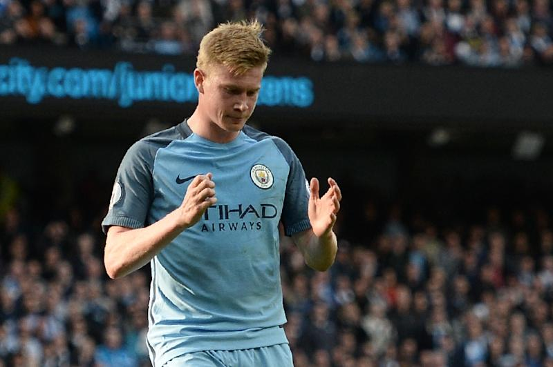 Manchester City's Belgian midfielder Kevin De Bruyne reacts after missing a penalty against Everton at the Etihad Stadium in Manchester, north west England, on October 15, 2016 (AFP Photo/Oli Scarff)
