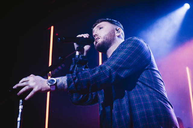 English singer and songwriter James Arthur performs on stage at La Riviera on January 21, 2020 in Madrid, Spain. (Photo by Mariano Regidor/Redferns)