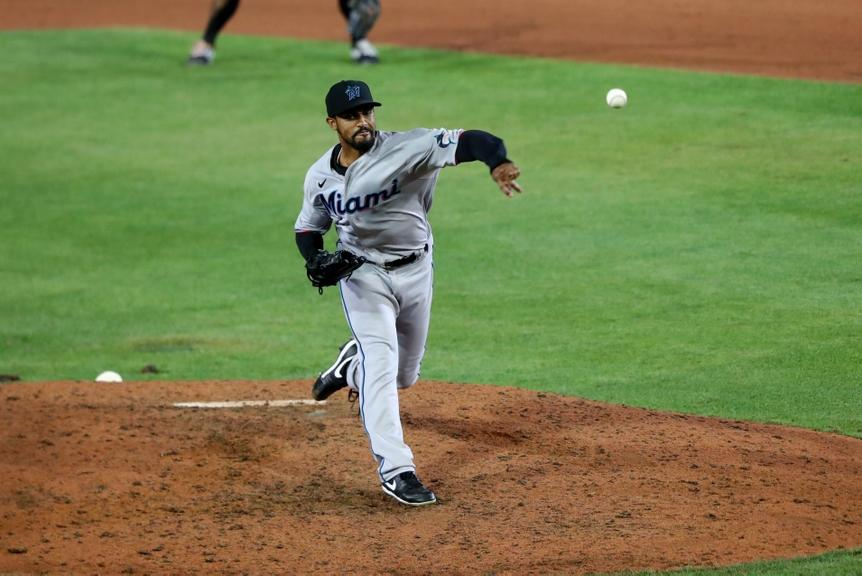 Stephen Tarpley pitching with Marlins