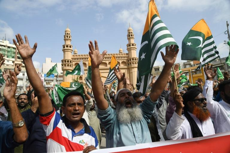 Pakistanis demonstrate against India's stripping the disputed Kashmir region of its special autonomy