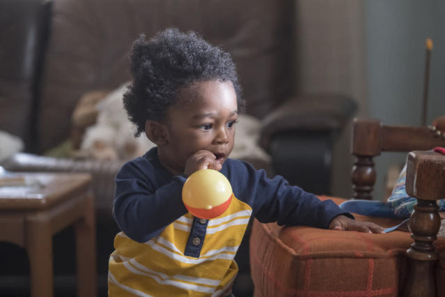 """Baby Randall"" in <em>This Is Us </em>(Photo by: Ron Batzdorff/NBC)"