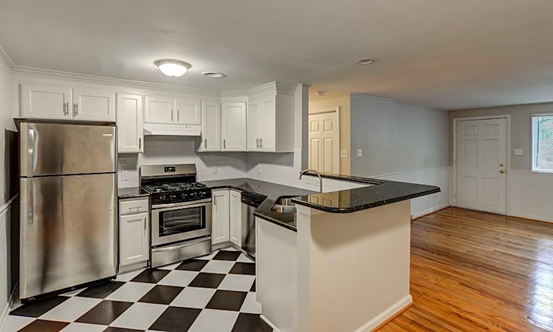 2327 1/2 Grant Ave..