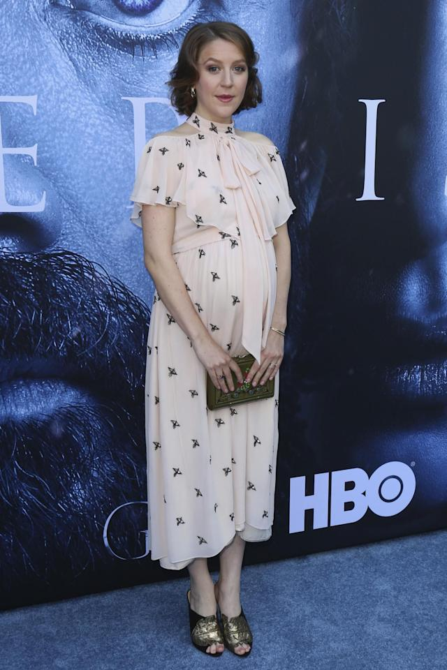 <p>The pregnant star chose a simple blush pink dress with golden accessories. (Photo: AP) </p>