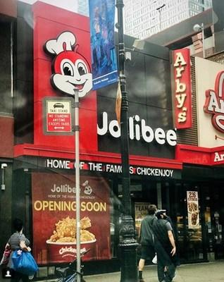 Jollibee Manhattan store located at 609 8th Ave., New York, NY 10018 opens Saturday, October 27. (Photo credit: Elton Lugay (Instagram/elton_lugay))