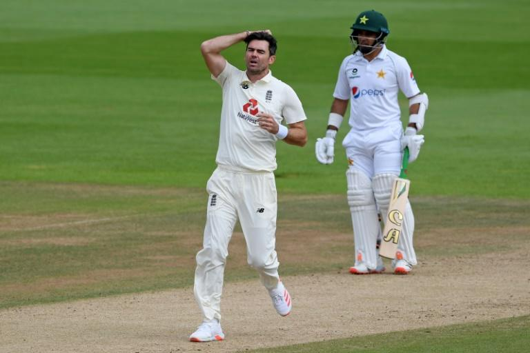 Anderson kept waiting for 600th wicket as Pakistan frustrate England