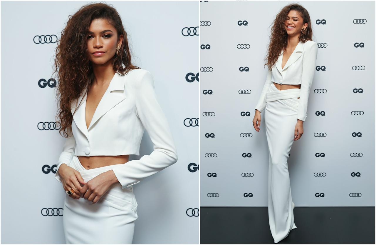 Con falda y chaqueta a modo de <em>crop top</em> de Mônot, así llegaba la actriz a los GQ Men Of The Year Awards 2019 (GQMOTY) para recoger el premio a la Mujer del Año. ¡Qué mona va esta chica siempre! (Foto: Brendon Thorne / Getty Images)