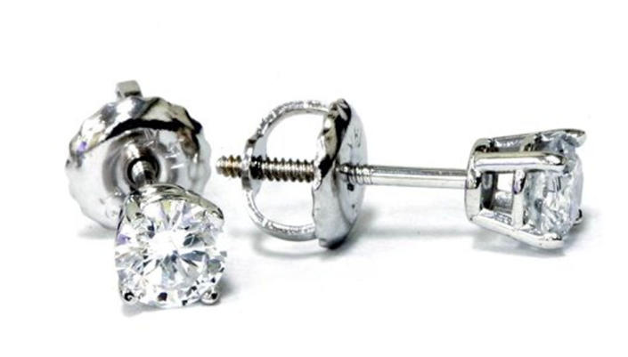 These diamond earrings are a beautiful gift for anyone with pierced ears! (Photo: Walmart)