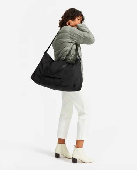 The ReNew Transit Weekender in Black. Image via Everlane.