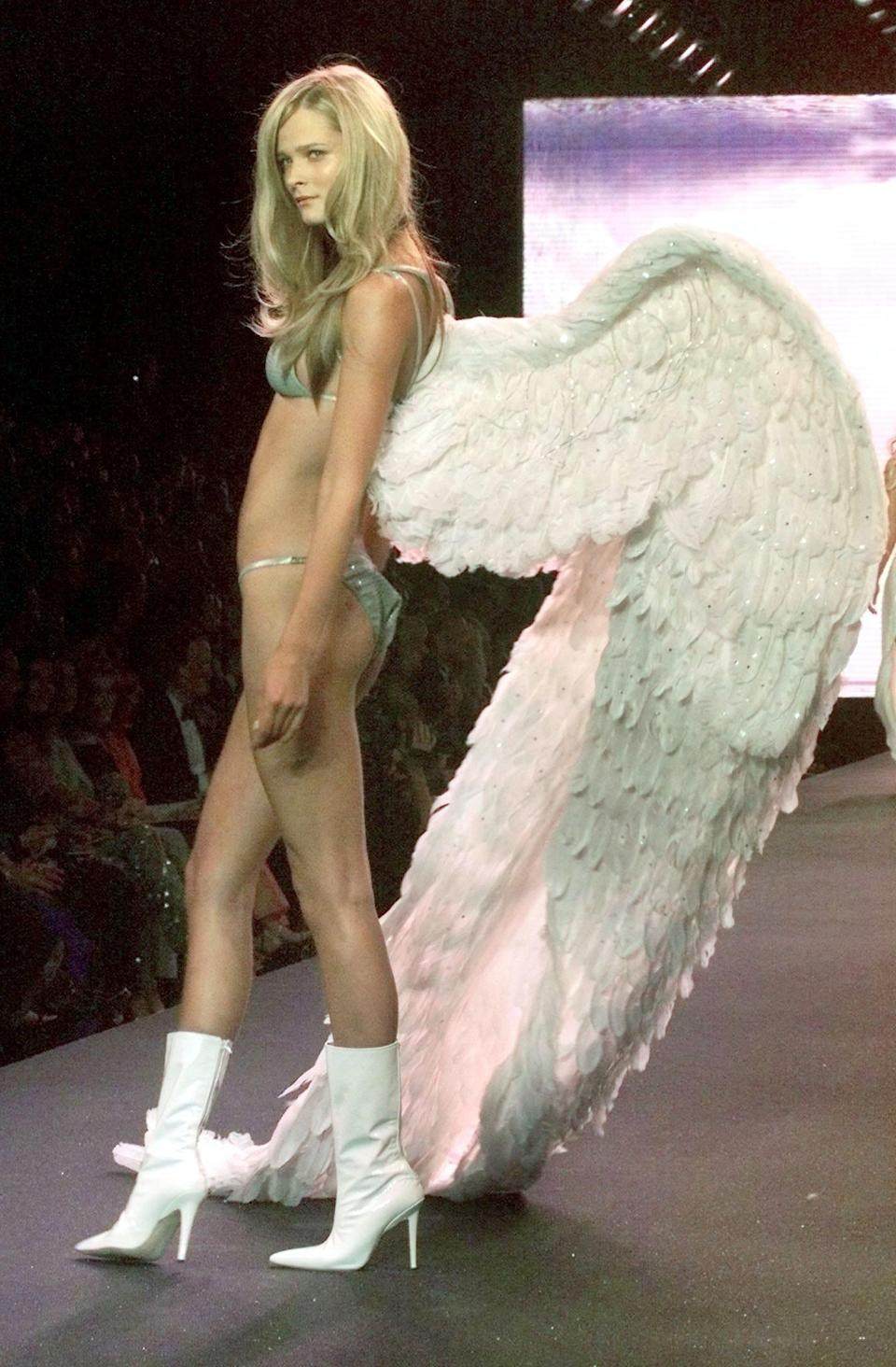 'Victoria's Secret' as part of the Cinema Against AIDS 2000 gala event to benefit amfAR