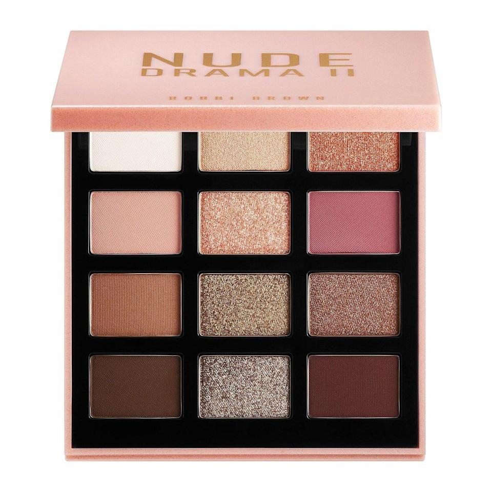 Arguable the queen of neutral makeup, Bobbi Brown provides just that with Nude Drama II Eye Shadow Palette, a collection of 12 eye buttery eye shadows in brown, golden, and dusty rose hues.