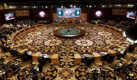 Arab leaders and head of delegations attend the 28th Ordinary Summit of the Arab League at the Dead Sea, Jordan March 29, 2017. REUTERS/Mohammad Hamed