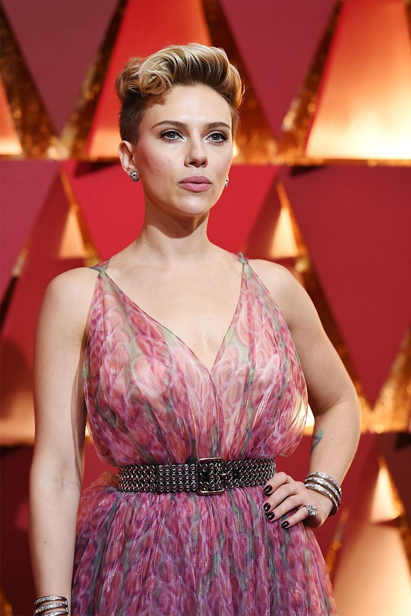 "Scarlett Johansson Says She'll Stay Silent on Her Divorce ""Out of Respect for Working Moms"""