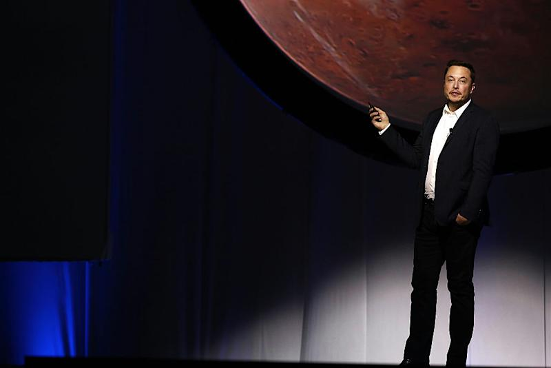 Here's what it will be like to travel to Mars in Elon Musk's spaceship