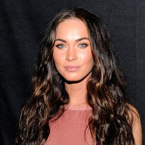 "<div class=""caption-credit""> Photo by: Getty Images</div><div class=""caption-title"">Free-Flowing Tresses</div>""I love when a woman wears her hair down! It makes me fantasize about running my fingers through it."" -Paco, 30 <br> <br> For Megan Fox's beachy waves, try Suave Professional Captivating Curls Whipped Cream Mousse, $2.99, to define your hair's natural texture without the crunch. <br> <br> <b>Read More: <br></b> <ul>  <li>  <a rel=""nofollow"" href=""http://www.realbeauty.com/hair/celebrity/date-night-hair-makeup?link=emb&dom=yah_life&src=syn&con=blog_bea&mag=bea"" target=""_blank""><b>33 Date Night Hair and Makeup Ideas</b></a>  </li>  <li>  <a rel=""nofollow"" href=""http://www.realbeauty.com/hair/celebrity/hollywood-holiday-hairstyles?link=emb&dom=yah_life&src=syn&con=blog_bea&mag=bea"" target=""_blank""><b>101 Celebrity Hairstyles We Love</b></a>  </li> </ul>"
