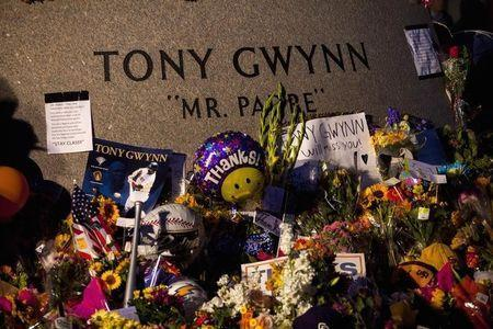 A makeshift memorial is set up for former San Diego Padres outfielder Tony Gwynn at Petco Park in San Diego, California June 16, 2014. REUTERS/Sam Hodgson