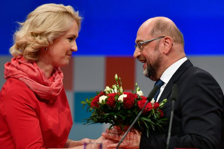 Martin Schulz (R), leader of Germany's social democrat SPD party, has apologised for the party's poor showing in September elections and vowed to rebuild a stronger European Union