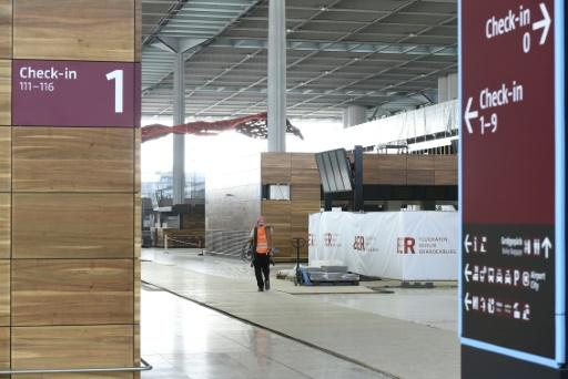 Construction at Berlin's troubled airport halted again