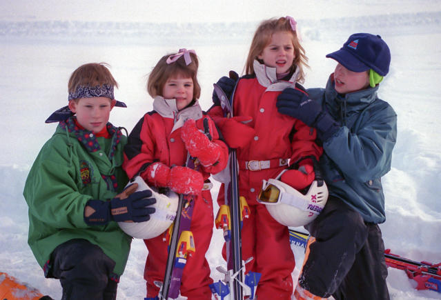 Prince William, Prince Harry, Princess Beatrice, and Princess Eugenie, on a Skiing holiday in Klosters, Switzerland, in 1995. (Getty Images)