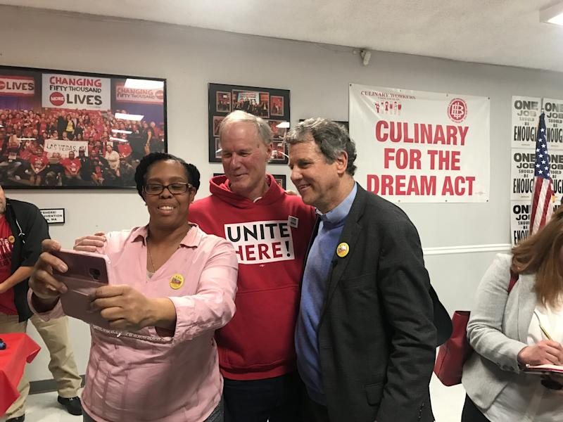Sen. Sharrod Brown with supporters during a campaign event at a culinary union hall Saturday, Feb. 23, 2019, in Las Vegas. (Photo: Andrew Romano/Yahoo News)