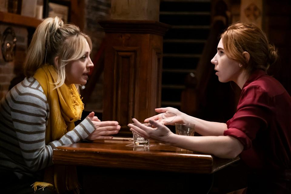 Kaley Cuoco plays Cassie and Zosia Mamet is her friend and lawyer, Annie.