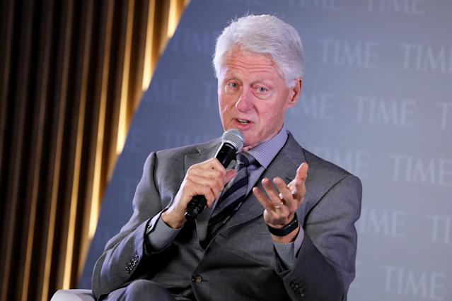 "El expresidente Bill Clinton confesó que tuvo una relación sexual con Lewinsky para ""manejar sus ansiedades"", le pidió a ella una disculpa y contó como vivió y superó ese escándalo con su esposa Hillary y su hija Chelsea. (Photo by Brian Ach/Getty Images for TIME 100 Health Summit )"