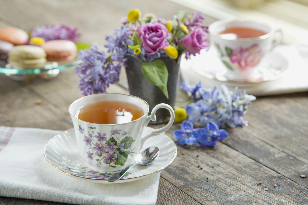 <p>A new study has uncovered a link between drinking tea and having a lowered risk of glaucoma. Glaucoma is an eye condition where the optic nerve gets damaged by pressure of the fluid in your eye, causing partial or total sight loss.<br />The study, from researchers at the Warren Alpert Medical School of Brown University and the University of California's David Geffen School of Medicine were looking for a correlation between consumption of caffeinated and decaffeinated coffee, iced tea, hot tea and soft drinks, and glaucoma. They found that of the participants in the study, those who drank at least one cup of caffeinated hot tea daily had a 74% lower chance of having glaucoma, compared to those who didn't drink decaffeinated hot tea. <em>[Photo: Getty]</em> </p>