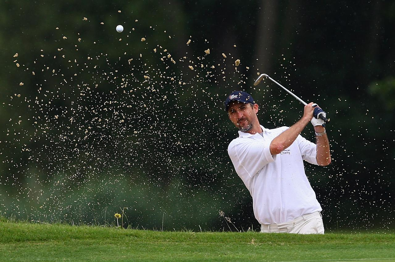 STOKE POGES, ENGLAND - JULY 21:  Jason Gillespie, former Australian Cricket player in action during the Child Bereavement Charity Ashes Golf Challenge at Stoke Park on July 21, 2009 in Stoke Poges, England.  (Photo by Julian Finney/Getty Images)