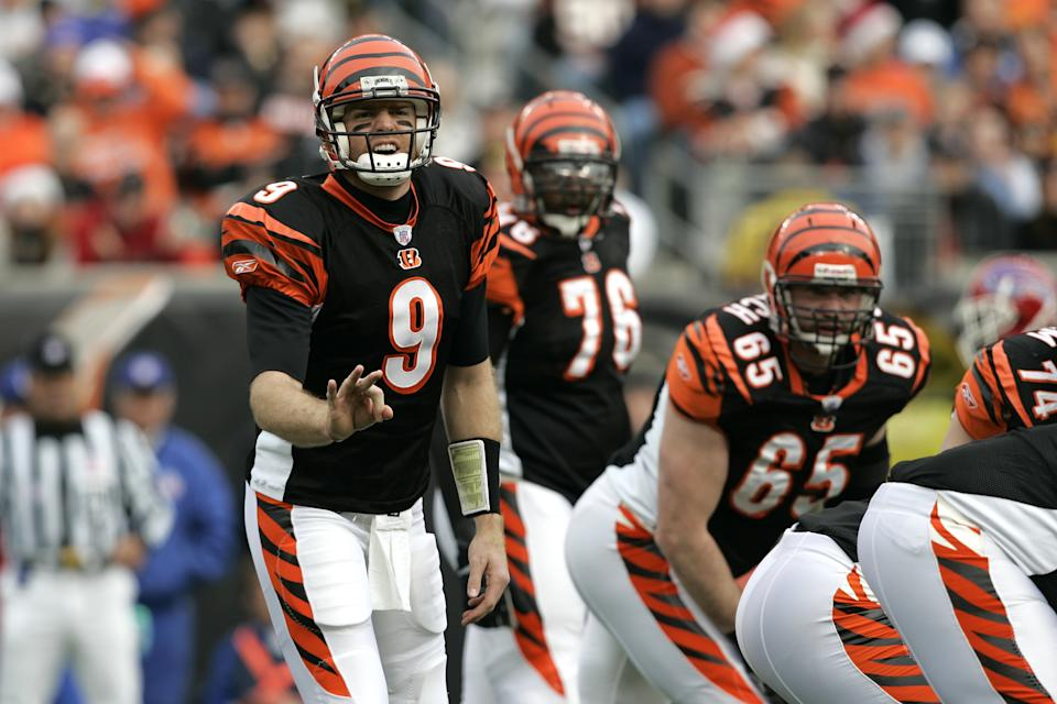 Former Bengals quarterback Carson Palmer changes a play at the line, something that will change if there are no fans. (Photo by Joe Robbins/Getty Images)