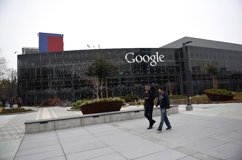People walk on the Google campus in Mountain View, California, on February 20, 2015 (AFP Photo/Susana Bates )