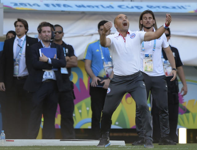 Chile's Argentinian coach Jorge Sampaoli reacts during extra-time at the football match between Brazil and Chile at the Mineirao Stadium in Belo Horizonte during the 2014 FIFA World Cup on June 28, 2014 (AFP Photo/Juan Mabromata )