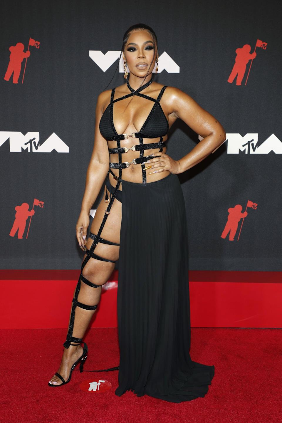 <p>Wearing a Michael Costello look with Jennifer Le shoes and Gbgh jewels. </p>