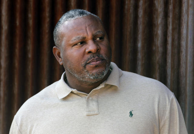 Former MLB All-Star Albert Belle was arrested on numerous charges Sunday. (AP Photo)