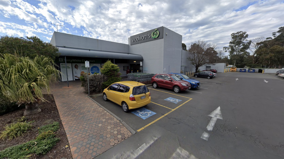 A Google Maps image of the Woolworths store in Croydon, Victoria.