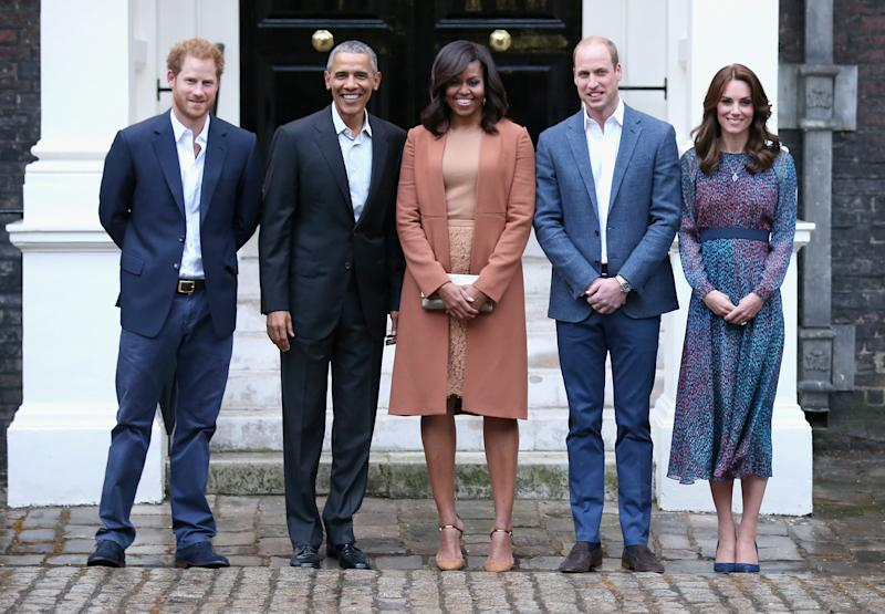 Prince Harry, US President Barack Obama, First Lady Michelle Obama, Prince William, Duke of Cambridge and Catherine, Duchess of Cambridge pose as they attend a dinner at Kensington Palace on April 22, 2016 in London, England.