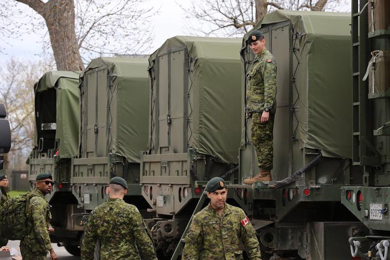 Feds offer full-time work to all military reservists as part of COVID-19 response