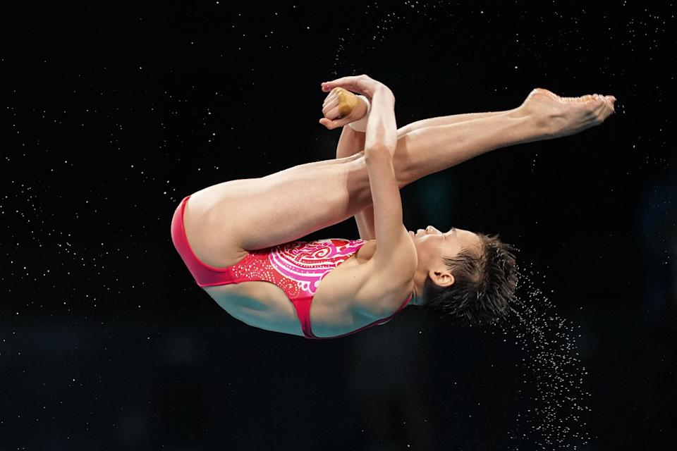TOKYO, JAPAN - AUGUST 05: Quan Hongchan of China competes in the Women's 10m Platform Final on day thirteen of the Tokyo 2020 Olympic Games at Tokyo Aquatics Centre on August 5, 2021 in Tokyo, Japan. (Photo by Bai Yu/CHINASPORTS/VCG via Getty Images)
