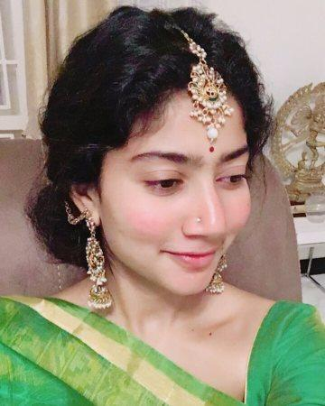<p>Happy birthday Sai Pallavi: Sai Pallavi, who is gearing up for the release of Tamil film NGK, turns 27 today. </p>